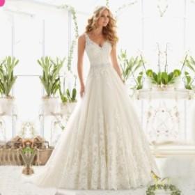 ぜいたくにレースを施したウェディングドレス 大切な日をラグジュアリーに彩る ホワイト ウェディング 結婚式 披露宴 N227