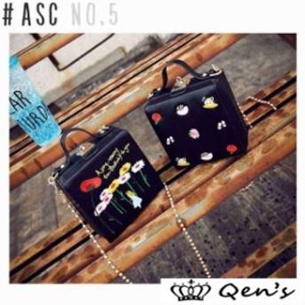 可愛い刺繍入りチェーンバッグ 韓国 レディース バッグ 合皮 スクエア 四角 ボックス チェーン アリス レザー 鞄 刺繍