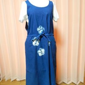 花柄の藍染ワンピース