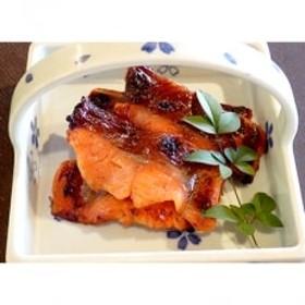 琵琶マス(約70g×5切れ)と近江牛西京味噌漬け(約80g×2切)セット