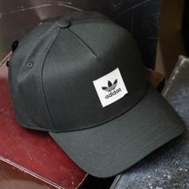 b1db1f47438 アディダス オリジナルス adidas Originals ロゴキャップ AFRAME CAP スナップバックキャップ メンズ レディース 帽子  ブラック