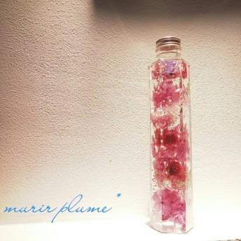 薔薇+ラッキーモチーフ四つ葉のクローバー入り ハーバリウム パープル系