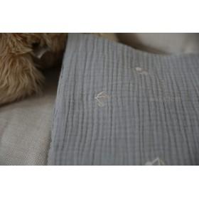 さくらんぼ刺繍3重ガーゼ生地(グレー)