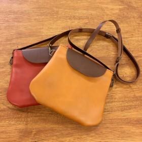 かわいい革のショルダーバッグ(ポシェット・サコッシュ)