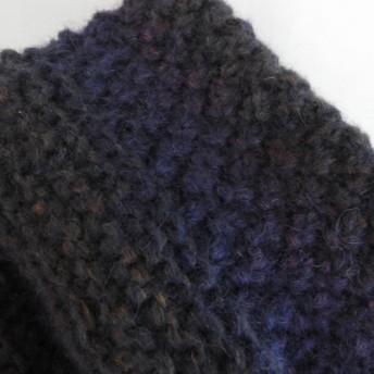 スヌード手編み イタリア製の毛糸 模様編み2種 紺色グラデーション (厚さしっかりめ)