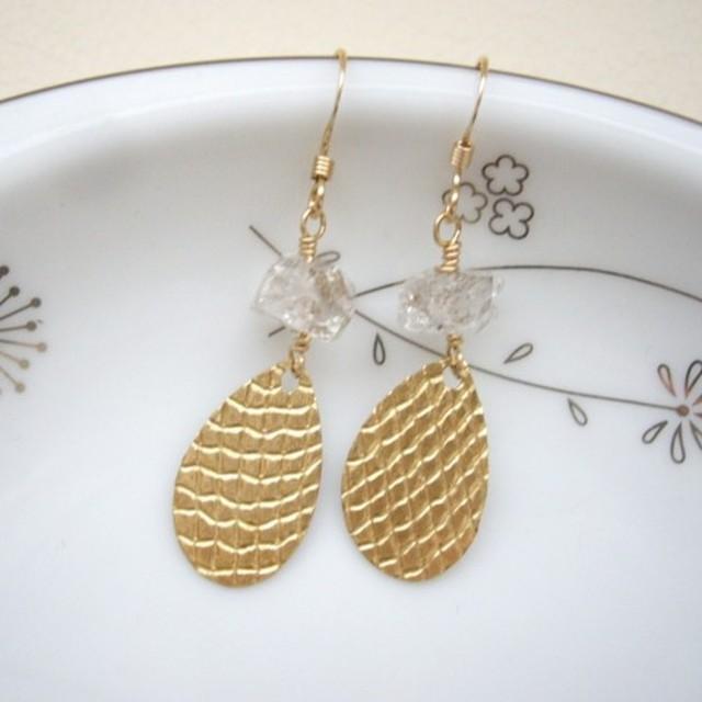 ハーキマーダイヤモンドとゴールドしずくのピアス イヤリング 真鍮 ゴールドフィルドイヤーワイヤー