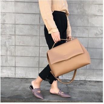 送料無料/韓国ファッションカバン/超大容量/通勤バック/女バック/大人気ショルダーバック/ハンドバック/トートバック/超柔らかい皮/オススメ鞄