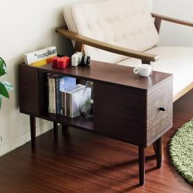 収納力のあるソファーサイドテーブル