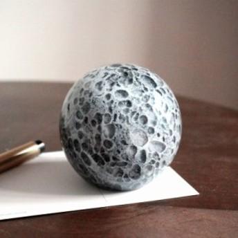 【お取り寄せ】置物 リアルな月 デコボコの表面 ガラス製 蓄光タイプ (グレー)