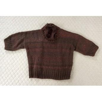 ピンクがアクセント、スラブ毛糸のお洒落セーター