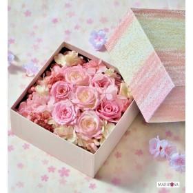 【新作】母の日に。桜色のフラワーボックス~花かすみ~ 母の日プレゼント無料ラッピング・選べるメッセージカード付き