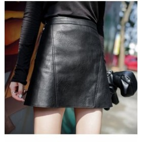 2017 AW 新作 レザースカート Aライン 台形 スリム ブラック サイドジッパー ミニ丈 足長効果 Vカットライン プチプラ