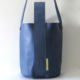 BUCKET blue 本革製 バケツ型バッグ