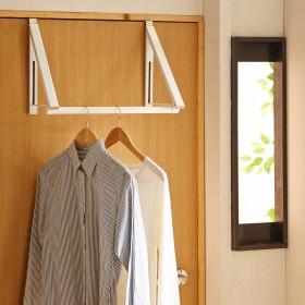 ドアに掛けられる折りたたみ式吊り下げハンガー