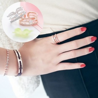 指輪 リング ラインストーン 3連 レディース アクセサリー キラキラ おしゃれ きれいめ 上品 可愛い かわいい ガーリー 女性用 婦人用 ジュエリ