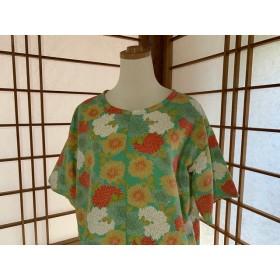着物リメイク 菊の型染のプルオーバー