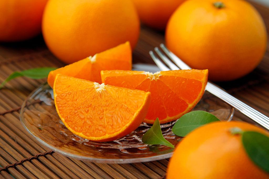 カットした柑橘類