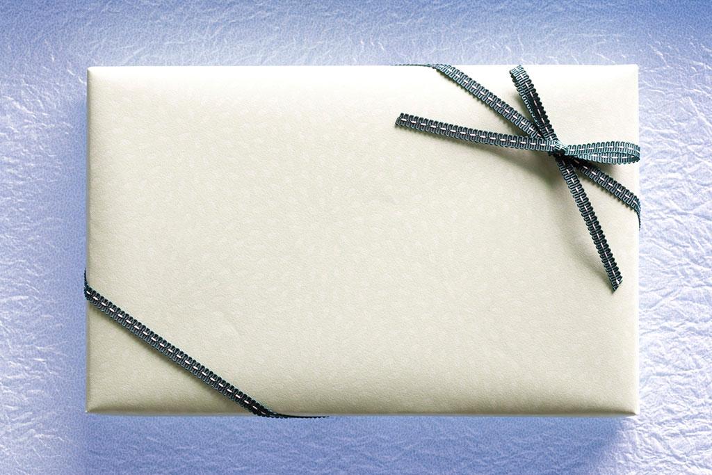 プレゼントの白い箱