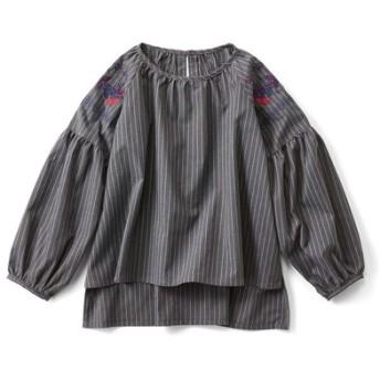 フォークロア刺しゅうのぷっくりゆる袖トップス〈グレー〉 フェリシモ FELISSIMO【送料無料】