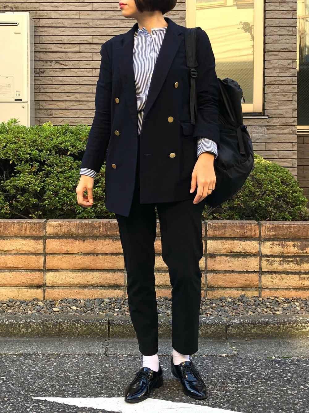 紺のダブルジャケット
