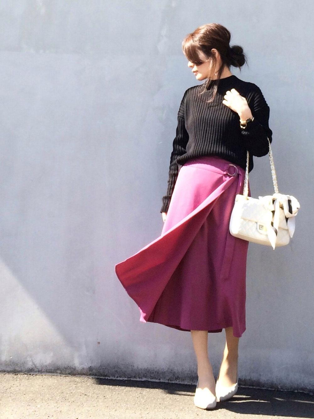 フューシャピンクのスカート