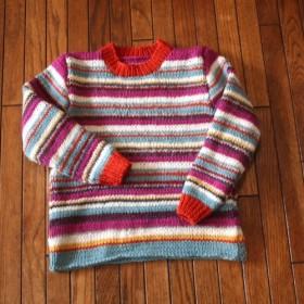 ウール100%のカラフルボーダーセーター