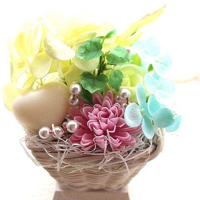 石けんのフラワーアレンジメント 花の形の入浴剤 香りのフレグランス・ソープ ハートの石鹸付き