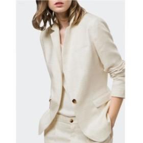 夏らしいホワイトジャケット フォーマルもカジュアルもこれ一着