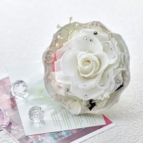 【日比谷花壇】プリザーブドアレンジメント ジュエルローズ「ダイヤモンド」