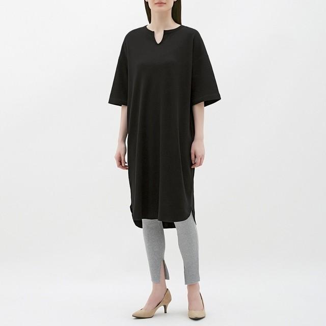 (GU)キーネックTワンピース(5分袖) BLACK L