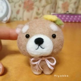春の柴犬 たんぽぽ