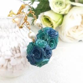 【癒しのdeep blue】バラのボールイヤリング