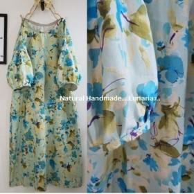 cottonリネン 水彩風ブルー花柄のワンピース ブラウスに変更可