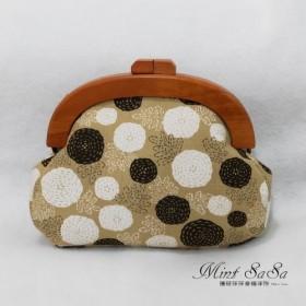 MintSaSa 和風の木製の金の袋は、収納のために後ろの肩手縫いの綿の厚い裏地を斜めにすることができます
