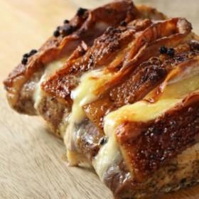 ロティ・オルロフ -ベーコンとチーズを挟んだ豚肉のロースト-
