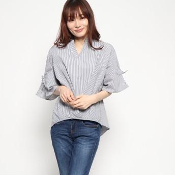 ジーラ GeeRAタック&リボン使いスキッパーシャツ (モノトーン系細ストライプ)