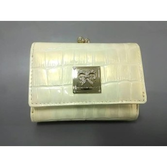 【中古】 レベッカテイラー 3つ折り財布 美品 アイボリー がま口/型押し加工 エナメル(レザー)