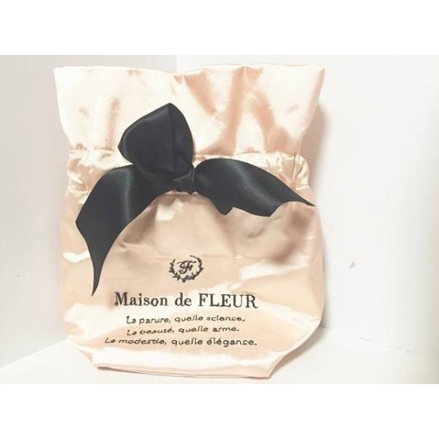 【中古】 メゾンドフルール Maison de FLEUR 小物入れ 美品 ベージュ 黒 リボン 化学繊維