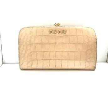 【中古】 ミュウミュウ miumiu 2つ折り財布 - ブラウン がま口/型押し加工 エナメル(レザー)