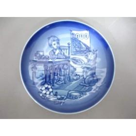 【中古】 ロイヤルコペンハーゲン ROYAL COPENHAGEN 小物 美品 ネイビー 白 2000イヤープレート 陶器