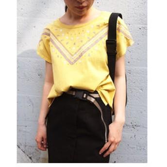 【NICOLE:トップス】デコルテ刺繍Tシャツ