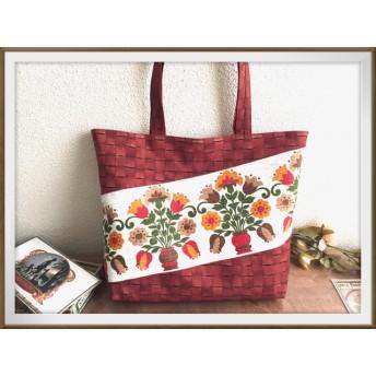 ヴィンテージファブリックのトートバッグ レトロな花かごのなんちゃって革バッグ