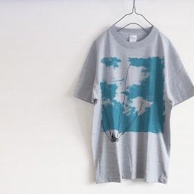 happy go lucky 青空散歩 Tシャツ(グレー)