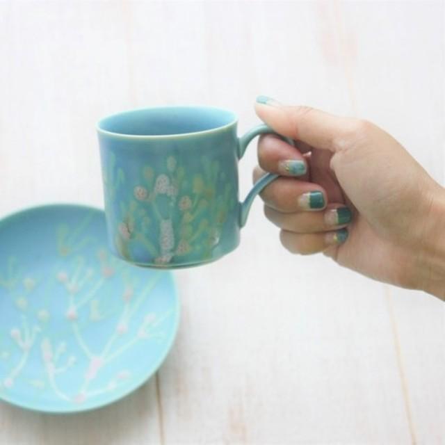 〈お祝いギフト〉縁起のアートカップ 沖縄陶器の珊瑚カップ&ソーサー/スカイブルー