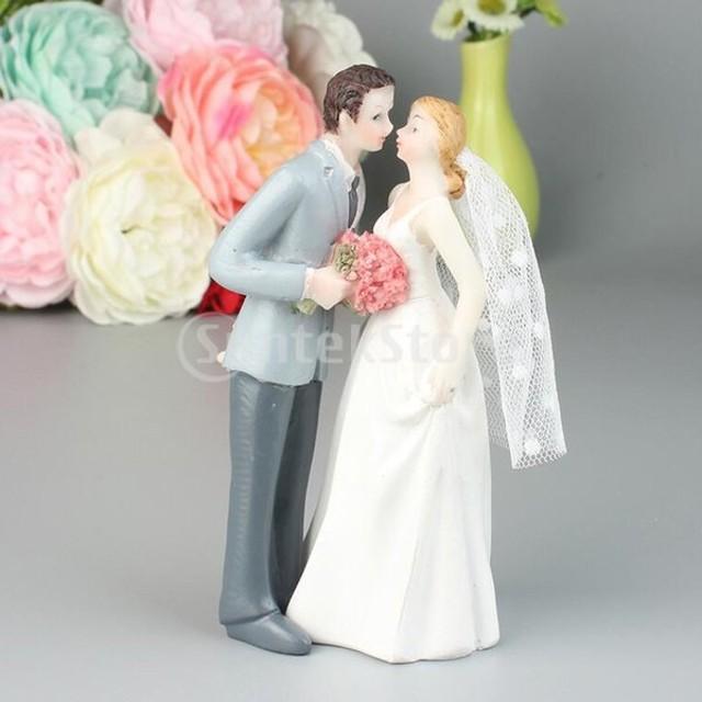 ロマンチックな樹脂新郎と新婦のカップルの置物ケーキスタンドトッパー装飾