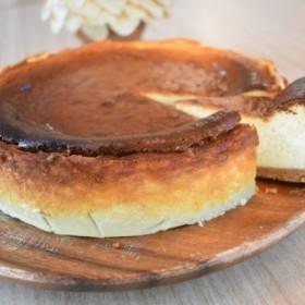 地元Cafeで大人気のベイクドチーズケーキ(1ホール)
