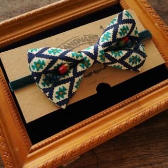 パパの蝶ネクタイアンティーク布ネクタイネクタイ手作り蝶ネクタイ - 幾何学的な青 - 赤いバラ版