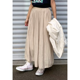 LIPSTAR シャイニーサテンプリーツスカート その他 スカート,ベージュ