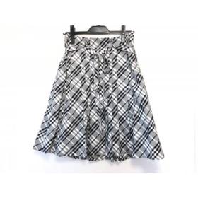 【中古】 バーバリーブルーレーベル スカート サイズ36 S レディース グレー 黒 白 チェック柄/プリーツ