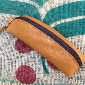 とても柔らかい牛革で作ったペンケース/banana-pen